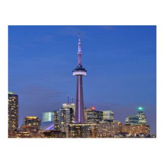 Torre del NC en Toronto en la noche Tarjetas Postales