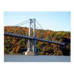 Torre del puente en la caída tarjetas postales