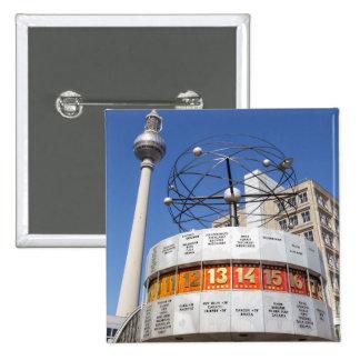 Torre del reloj mundial y de la televisión, pin cuadrado