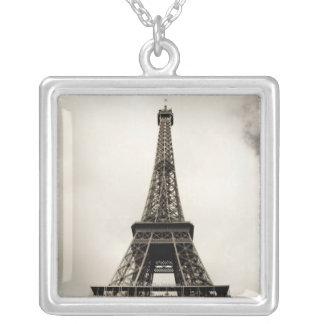 Torre Eiffel 8 Pendientes