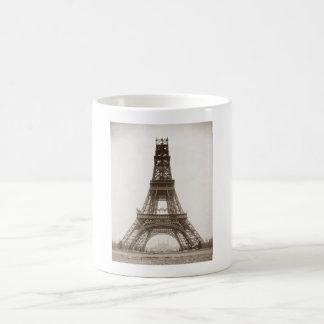 Torre Eiffel bajo construcción - 1888 Taza