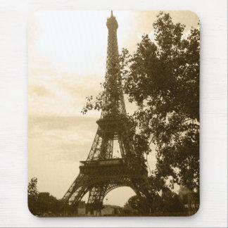 Torre Eiffel de la sepia Alfombrillas De Ratón