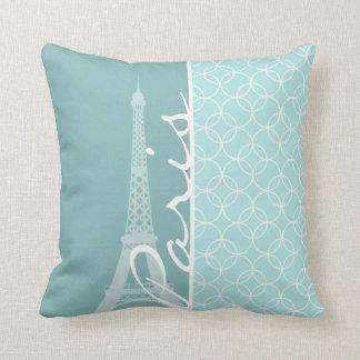Torre Eiffel de los azules cielos; París Almohadas