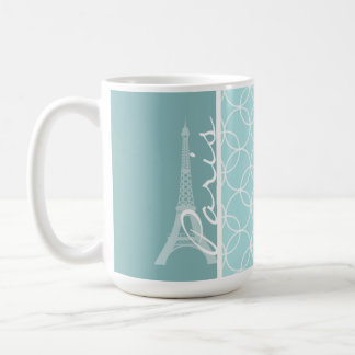 Torre Eiffel de los azules cielos París Taza