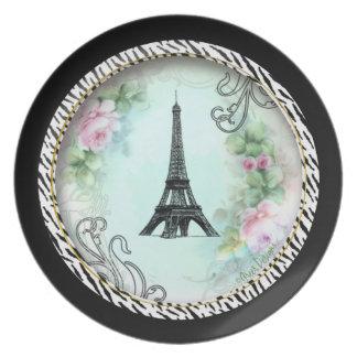Torre Eiffel de París y rosas rosados Plato