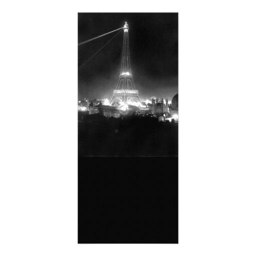Torre Eiffel del vintage en la noche Anuncio