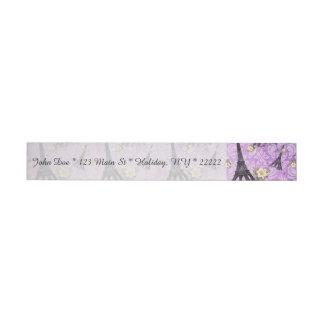 Torre Eiffel en el damasco púrpura Etiquetas Postales