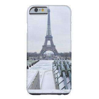 Torre Eiffel en el invierno 3 Funda De iPhone 6 Barely There