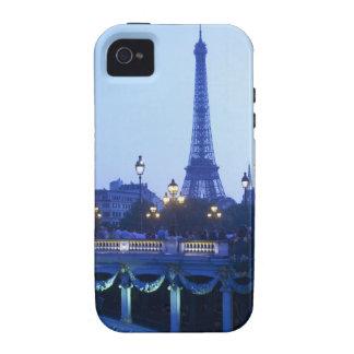 Torre Eiffel en la oscuridad con salida de la luna Vibe iPhone 4 Fundas