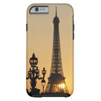 Torre Eiffel en la puesta del sol Funda Para iPhone 6 Tough