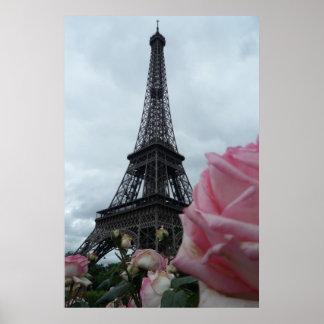 Torre Eiffel magnífica con los rosas rosados París Póster