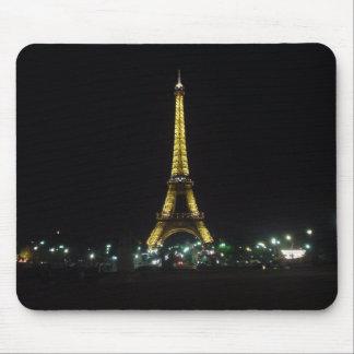 Torre Eiffel por noche Alfombrillas De Raton