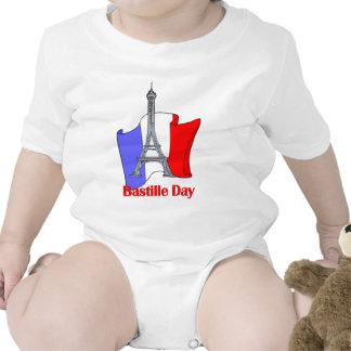 Torre Eiffel y camisetas francesas del día de Bast