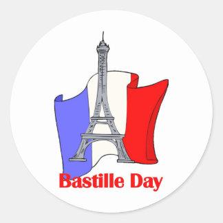 Torre Eiffel y camisetas francesas del día de Pegatina Redonda