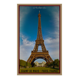 Torre Eiffel y Champ de Mars Poster