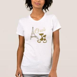 Torre Eiffel y gatos elegantes del oro de Oui Parí Camisetas