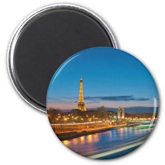 Torre Eiffel y Pont Alejandro III en la noche Imán Redondo 5 Cm
