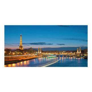 Torre Eiffel y Pont Alejandro III en la noche Tarjetas Personales