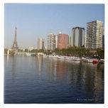 Torre Eiffel y río Sena Azulejo Cuadrado Grande