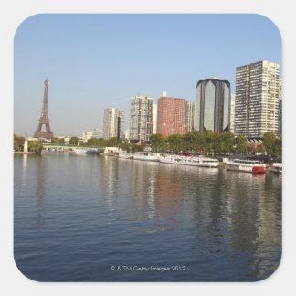 Torre Eiffel y río Sena Calcomanía Cuadrada Personalizada