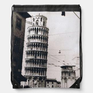 Torre inclinada de 1954 B&W de la mochila del lazo