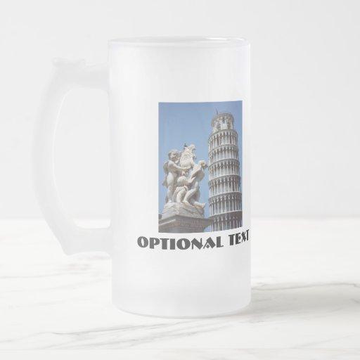 Torre inclinada de Pisa con la estatua de la queru Tazas