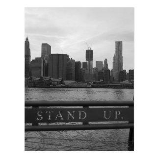 "Torre New York City de la libertad - ""LEVÁNTESE"" Tarjeta Postal"