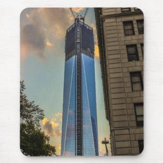 Torre NYC de la libertad del World Trade Center Alfombrilla De Ratones