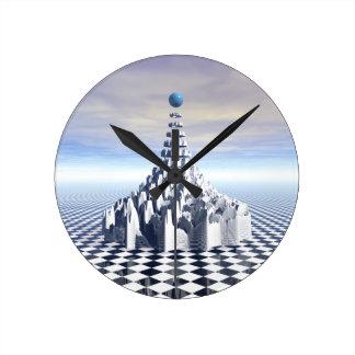 Torre surrealista del fractal reloj de pared
