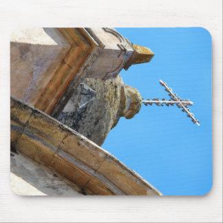 Torre y cruz de iglesia de la misión alfombrillas de ratón