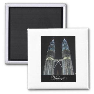 Torres de Petronas en la noche Imanes