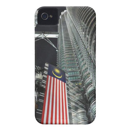 Torres de Petronas en la noche iPhone 4 Coberturas