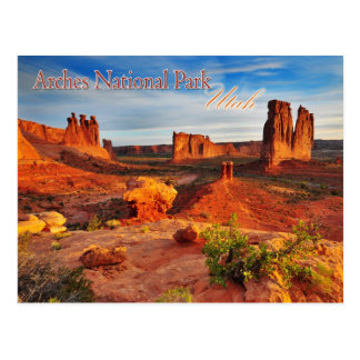 Torres del tribunal en los arcos parque nacional,  tarjetas postales