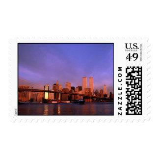 Torres gemelas inminentes del ~ crepuscular de New Timbre Postal