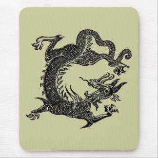 Torsión del dragón mouse pad