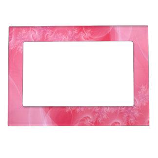 Torsión del rosa y del blanco marcos magneticos