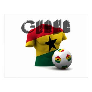 Torso de la bandera de Ghana y balón de fútbol Tarjeta Postal