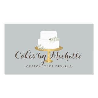 Torta blanca elegante con la torta floral que tarjetas de visita