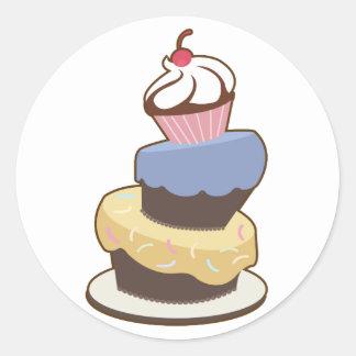 torta con gradas 3 pegatina redonda