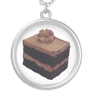 Torta de chocolate collar plateado