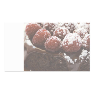 torta de chocolate con la tarjeta de visita de las