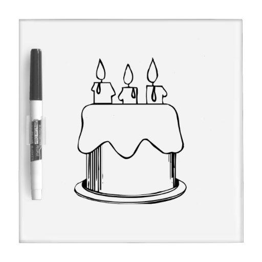 Torta de cumpleaños con las velas pizarra blanca