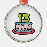 Torta de cumpleaños de 13 años ornamentos de reyes