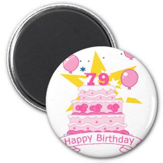 Torta de cumpleaños de 79 años imán redondo 5 cm