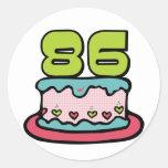 Torta de cumpleaños de 86 años pegatina redonda