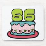 Torta de cumpleaños de 86 años alfombrillas de raton
