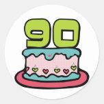 Torta de cumpleaños de 90 años pegatina redonda