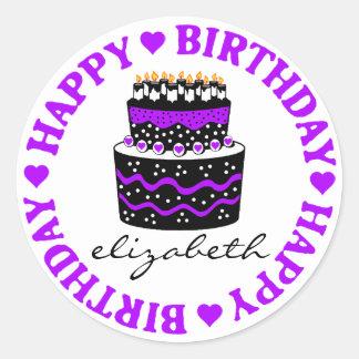 Torta de cumpleaños de los corazones púrpuras etiquetas redondas