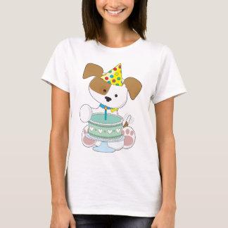 Torta de cumpleaños del perrito playera