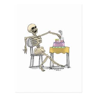 torta de cumpleaños esquelética postal